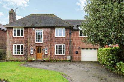 4 Bedrooms Detached House for sale in Owl House, Whitegate Road, Winsford