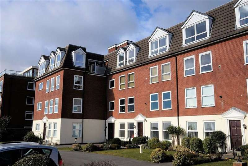 3 Bedrooms Penthouse Flat for sale in Glengarry, 32 East Beach, Lytham