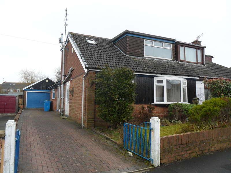 4 Bedrooms Semi Detached House for rent in Brellafield Drive, Higher Crompton