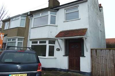 3 Bedrooms House for rent in Arnold Avenue, Southend