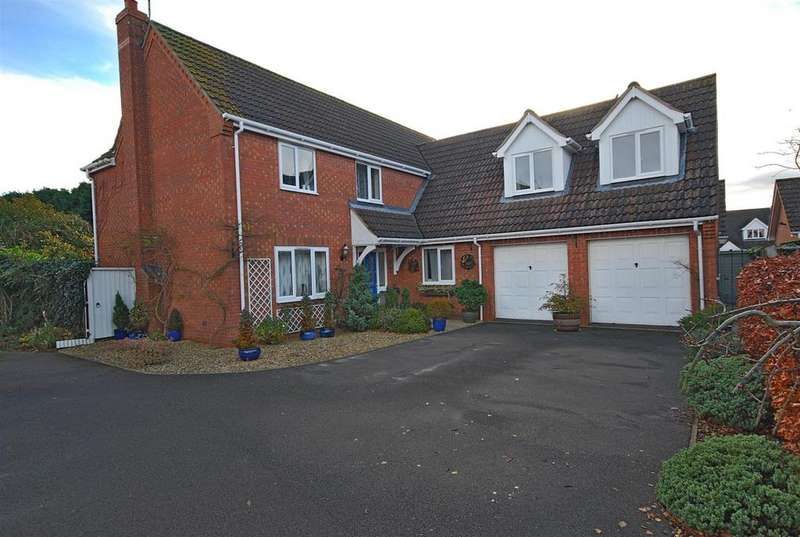 5 Bedrooms Detached House for sale in Wiles Avenue, Moulton Chapel, Spalding