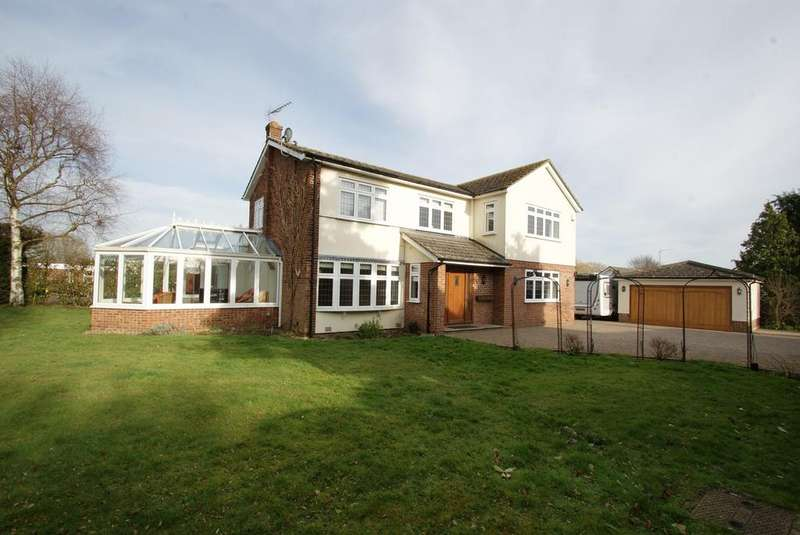 4 Bedrooms Detached House for sale in Meadow Rise, Blackmore, Ingatestone, Essex, CM4