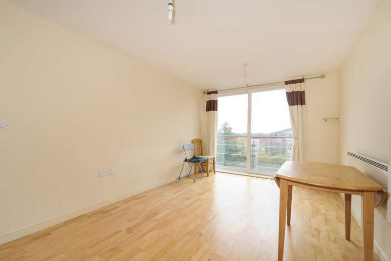 2 Bedrooms Apartment Flat for rent in Bedfont Lane, Feltham, TW13