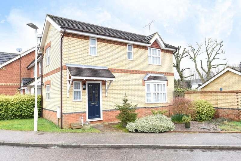3 Bedrooms Detached House for rent in Bovingdon, Bovingdon, HP3