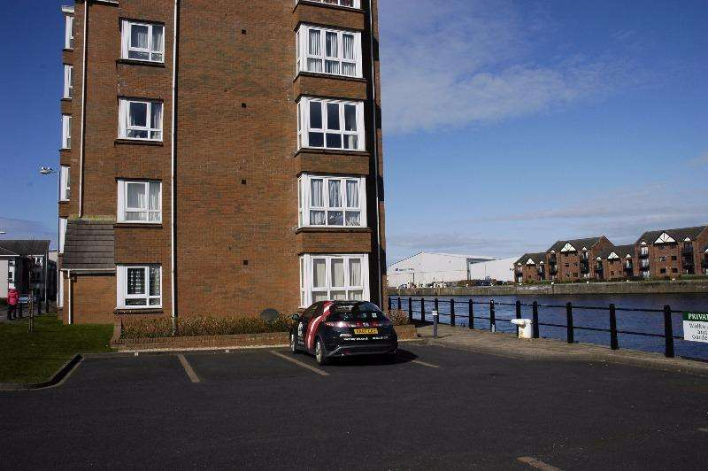 2 Bedrooms Flat for rent in South Harbour Street, Ayr, South Ayrshire, KA7 1HB