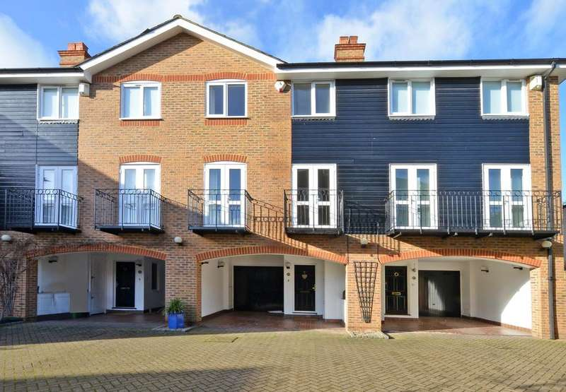 4 Bedrooms Terraced House for sale in Harvest Lane, Thames Ditton, KT7