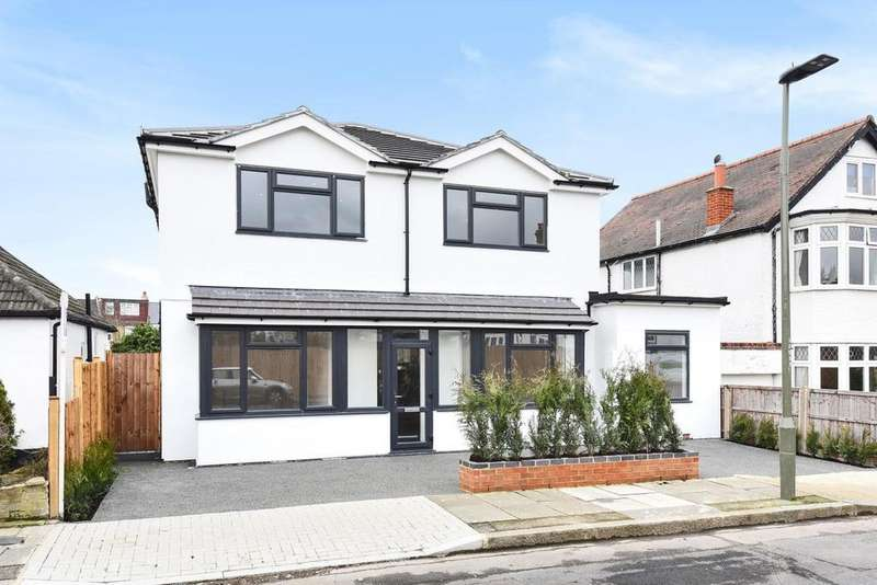 4 Bedrooms Detached House for sale in Sunningdale Road, Bromley