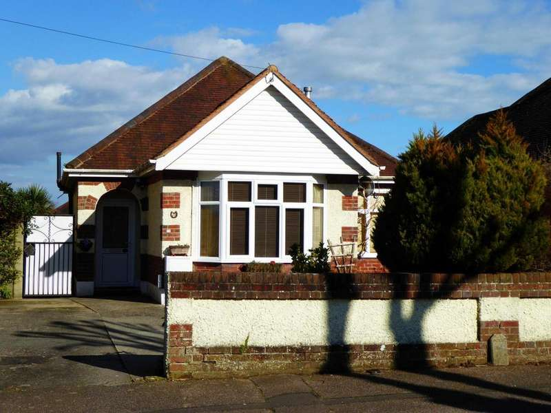 2 Bedrooms Detached Bungalow for sale in Saxonbury Road, Bournemouth, BH6