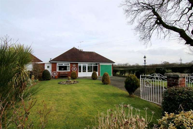 3 Bedrooms Detached Bungalow for sale in Crewe Lane, Farndon