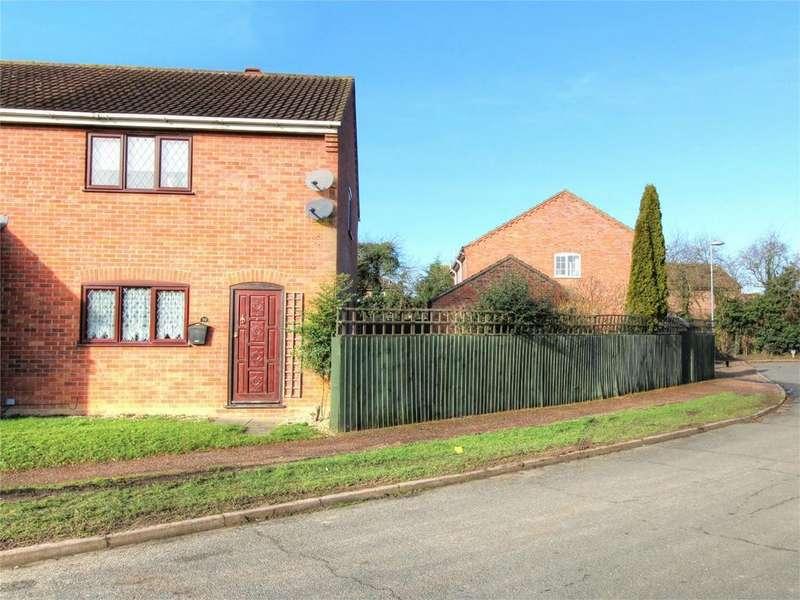 3 Bedrooms Semi Detached House for sale in Barley Way NR17 1YD, Attleborough, Norfolk