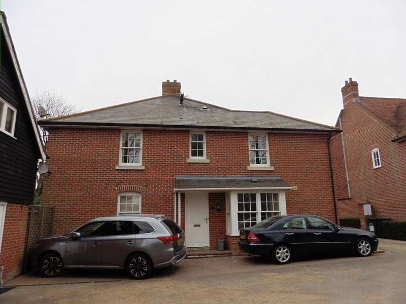 3 Bedrooms Semi Detached House for rent in Ruskins View Herne Bay CT6