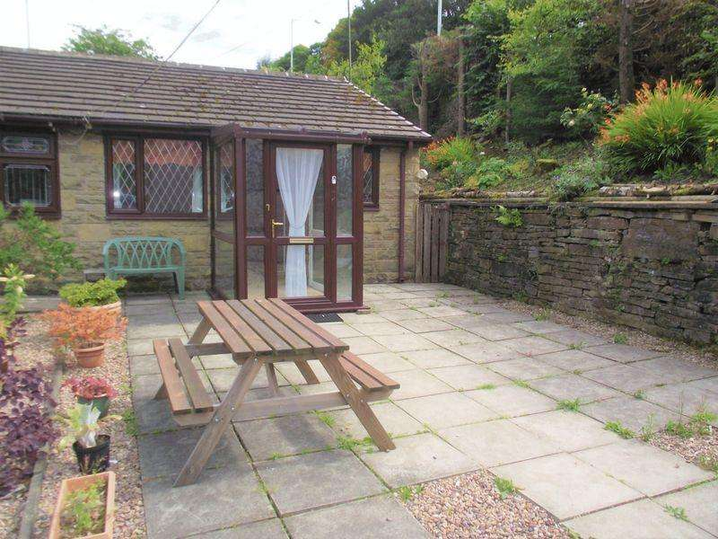 2 Bedrooms Semi Detached Bungalow for sale in St Saviours Court, Bacup