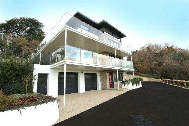4 Bedrooms Detached House for sale in La Rigondane, Grouville