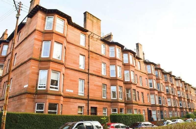 1 Bedroom Flat for sale in Battlefield Avenue, Flat 2/2, Battlefield, Glasgow, G42 9HR