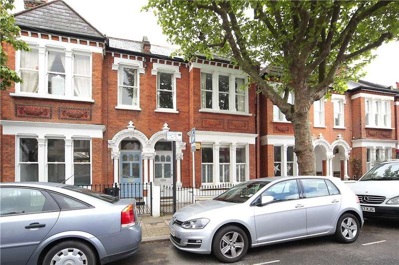 2 Bedrooms Flat for sale in Kyrle Road, Battersea, London, SW11
