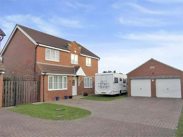 4 Bedrooms Detached House for sale in Whinflower Drive, Stockton-on-Tees, Durham