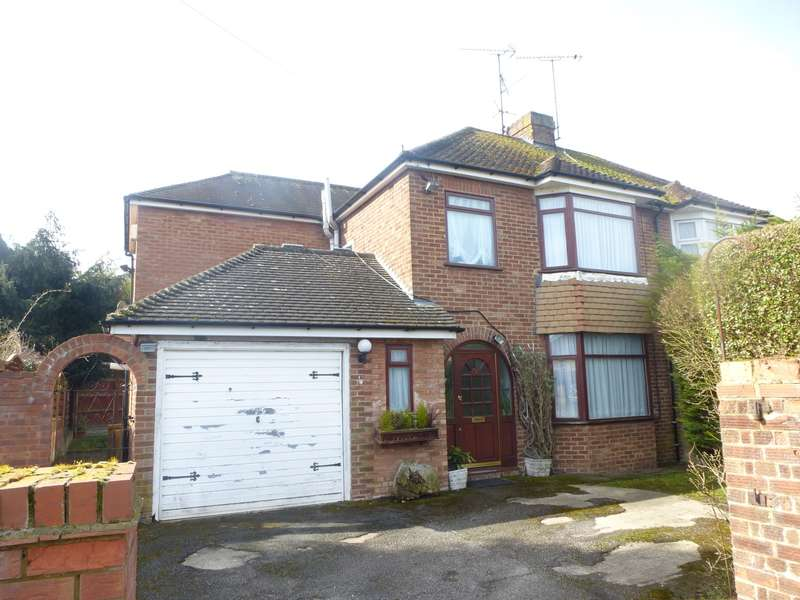 4 Bedrooms House for rent in Evelyn Road, Dunstable, LU5