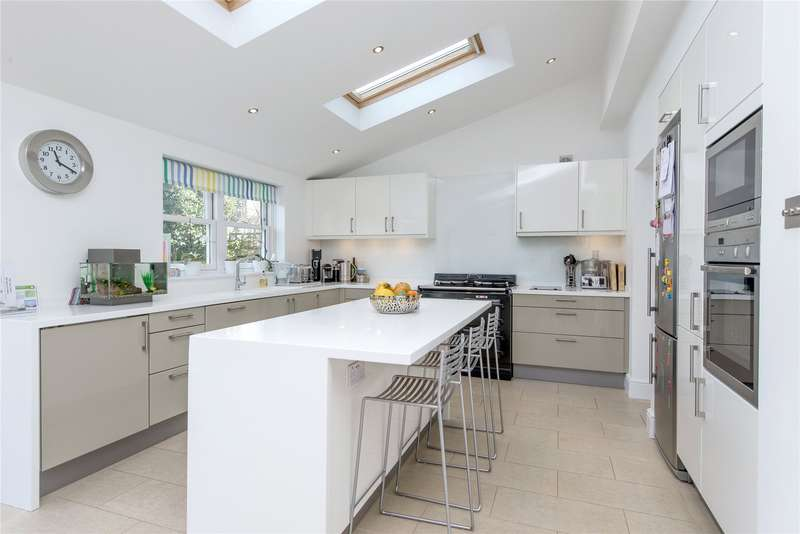 5 Bedrooms Semi Detached House for sale in Cromwell Road, London, SW19