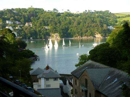 3 Bedrooms Detached House for sale in Dartmouth, Devon