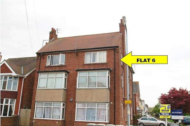 2 Bedrooms Apartment Flat for sale in Penthouse flat, Beresford Avenue, Skegness