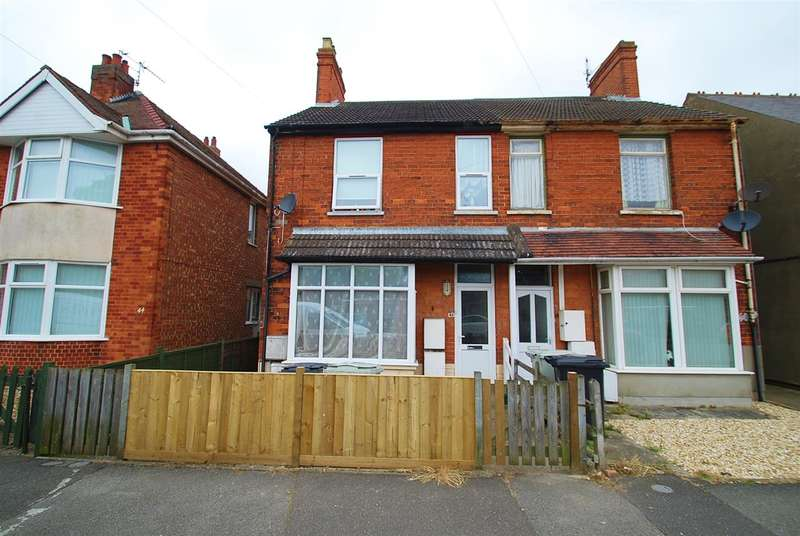 4 Bedrooms Semi Detached House for sale in Alexandra Road, Skegness