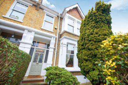 3 Bedrooms End Of Terrace House for sale in Leyton, London