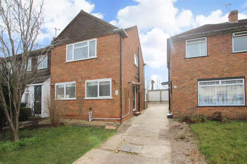 3 Bedrooms End Of Terrace House for rent in Cants Lane, Burgess Hill