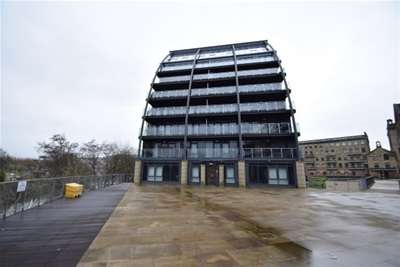 2 Bedrooms Flat for rent in Apartment 15, VM2, Salts Mill