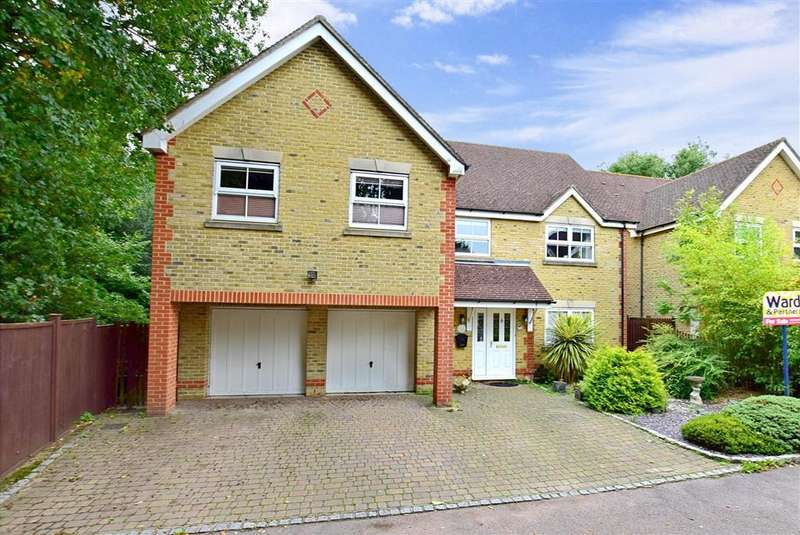 5 Bedrooms Detached House for sale in Leeswood, , Willesborough, Ashford, Kent