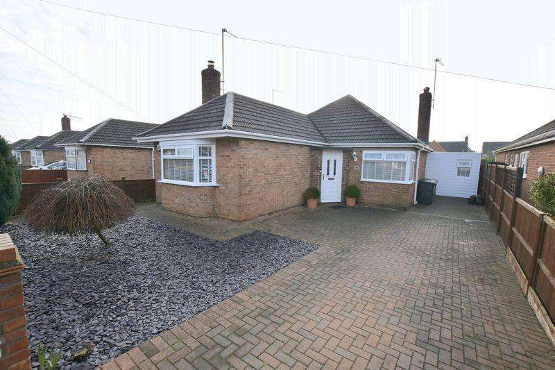 3 Bedrooms Bungalow for sale in Oakdale Avenue, Peterborough