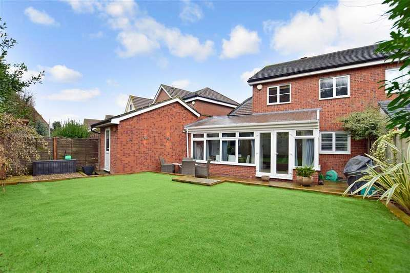 4 Bedrooms Semi Detached House for sale in Maritime Gate, Gravesend, Kent