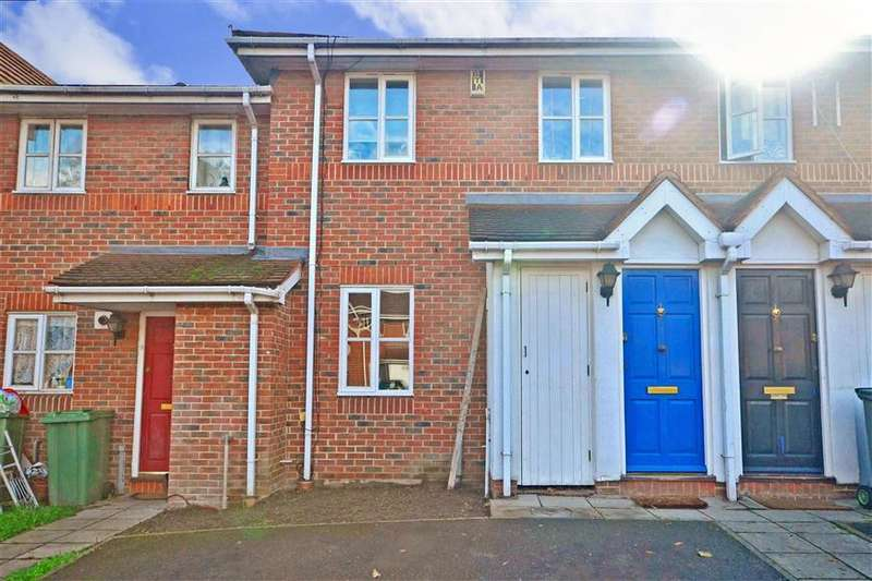 3 Bedrooms Terraced House for sale in Peridot Street, Beckton, London