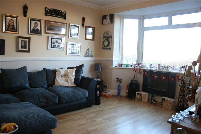 3 Bedrooms Semi Detached House for sale in Manston Road, Ramsgate, Kent