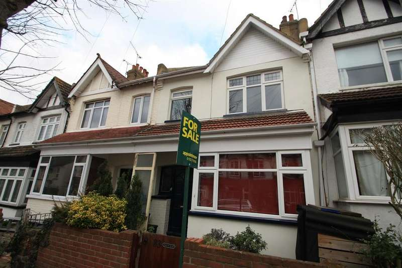 4 Bedrooms House for sale in Wenham Drive, Westcliff-On-Sea