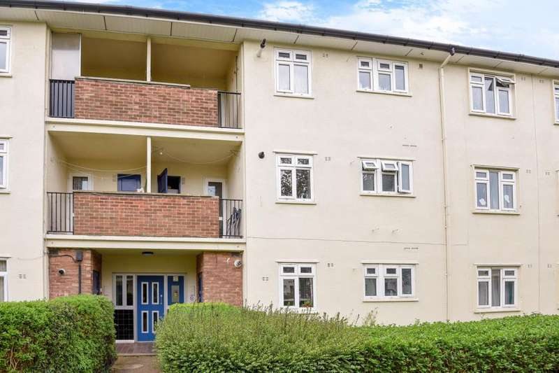 2 Bedrooms Flat for sale in Kersington Crescent, Oxford, OX4