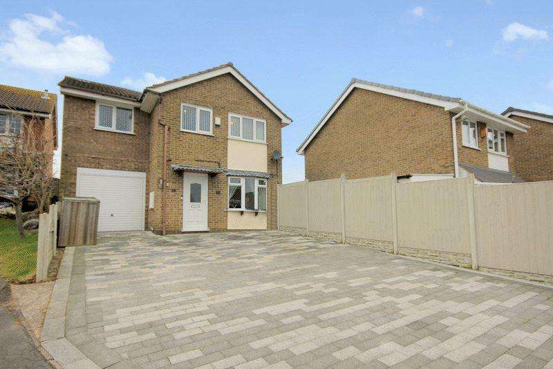 4 Bedrooms Detached House for sale in Sterndale Drive, Fenpark