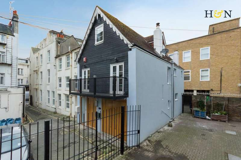 3 Bedrooms House for sale in Middle Street, Brighton