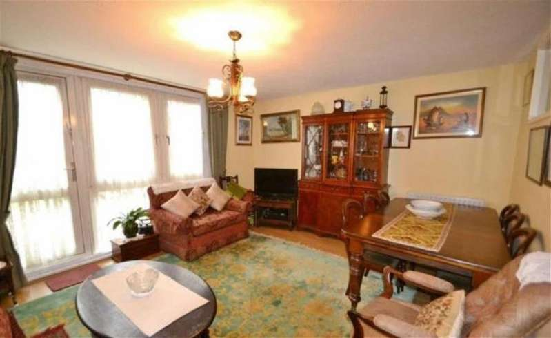 3 Bedrooms Detached House for sale in Oakley Square, London, London