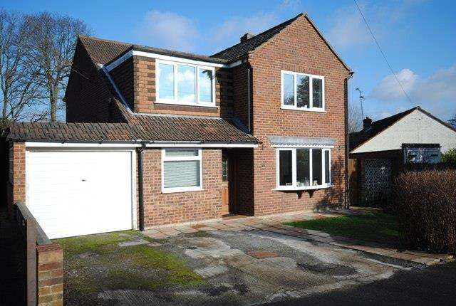 4 Bedrooms Detached House for sale in Heathway, Ascot