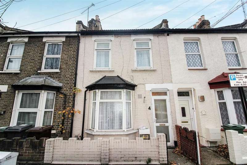 3 Bedrooms Terraced House for sale in Elm Park Road, London