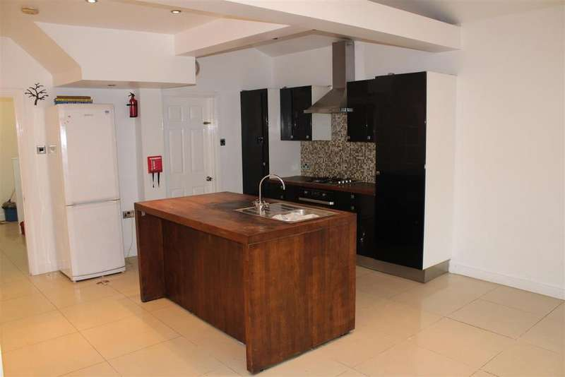 4 Bedrooms House for rent in Boundary Road, London