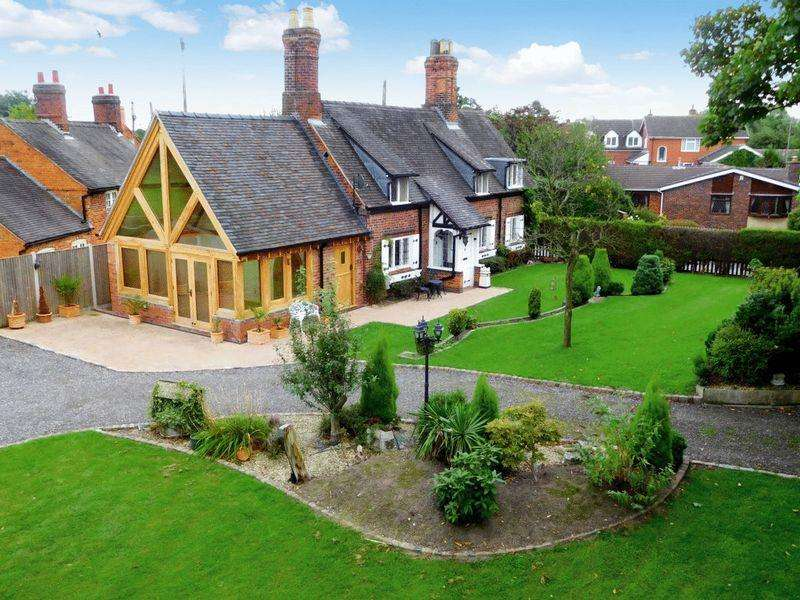 3 Bedrooms Detached House for sale in Main Road, Weston