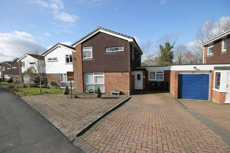 4 Bedrooms Detached House for sale in Oak Hall Park, Burgess Hill, West Sussex