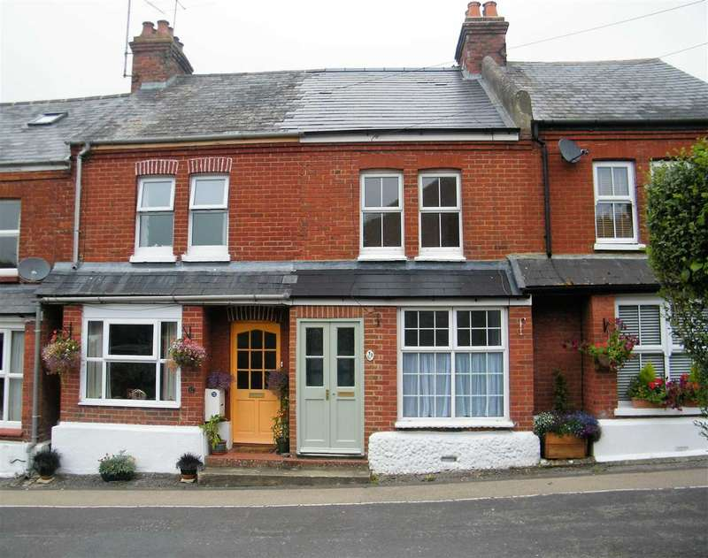 2 Bedrooms Terraced House for rent in Battens Avenue, Overton