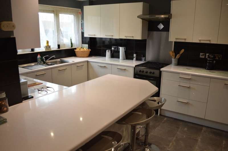 3 Bedrooms Terraced House for sale in Chaffinch Green, WATERLOOVILLE, PO8