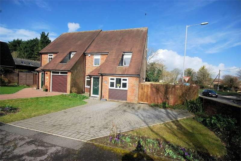 4 Bedrooms Semi Detached House for sale in St Annes Close, Wendover, Buckinghamshire