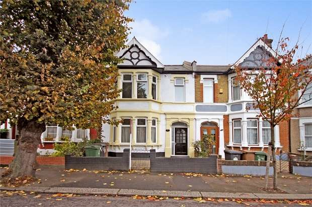 4 Bedrooms Terraced House for rent in James Lane, Leyton, London