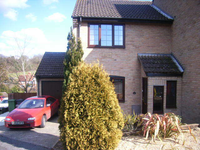 2 Bedrooms End Of Terrace House for rent in The Yews, Horndean, Waterlooville