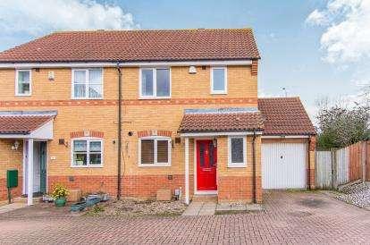 3 Bedrooms Semi Detached House for sale in Laindon, Basildon, Essex