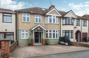 5 Bedrooms Semi Detached House for sale in Chastilian Road, Dartford, Kent